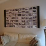 Коллаж из фото над диваном