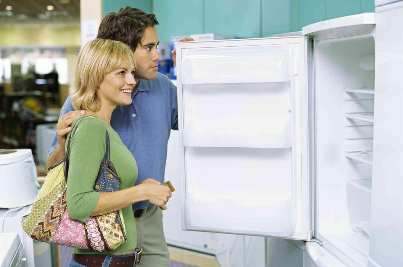 Полки на дверце холодильника