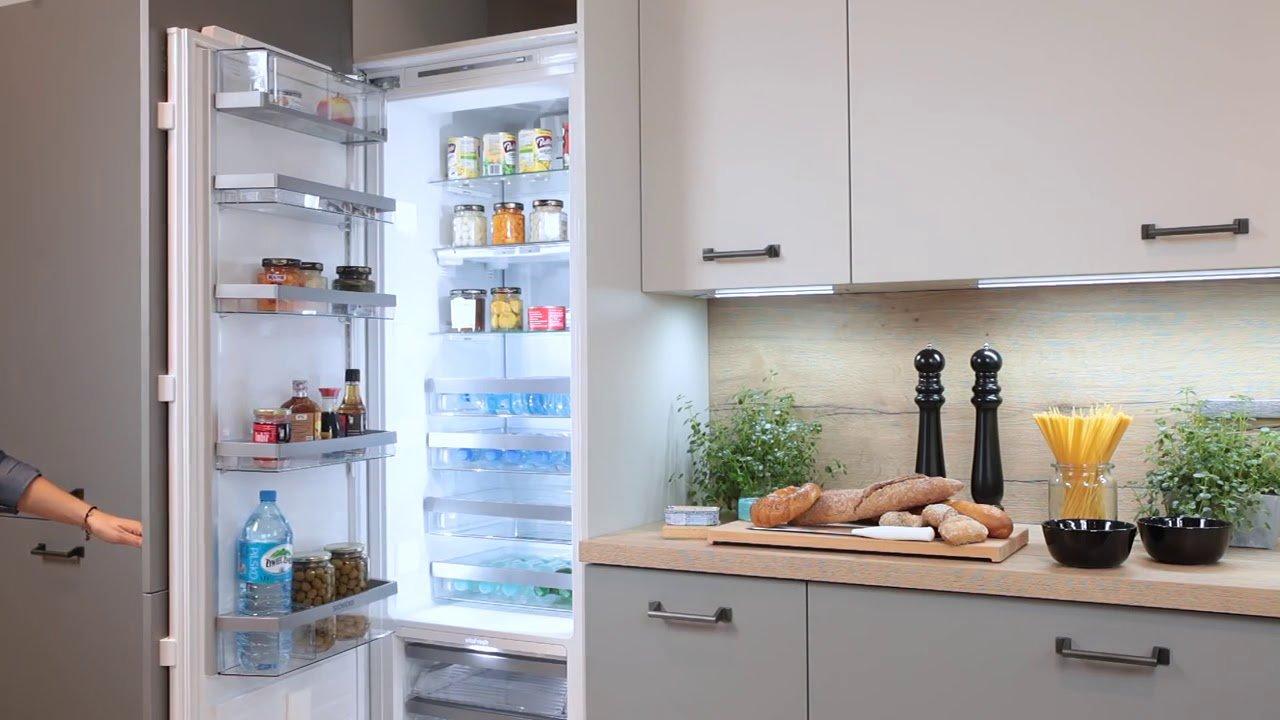 Встроенный двухкамерный холодильник