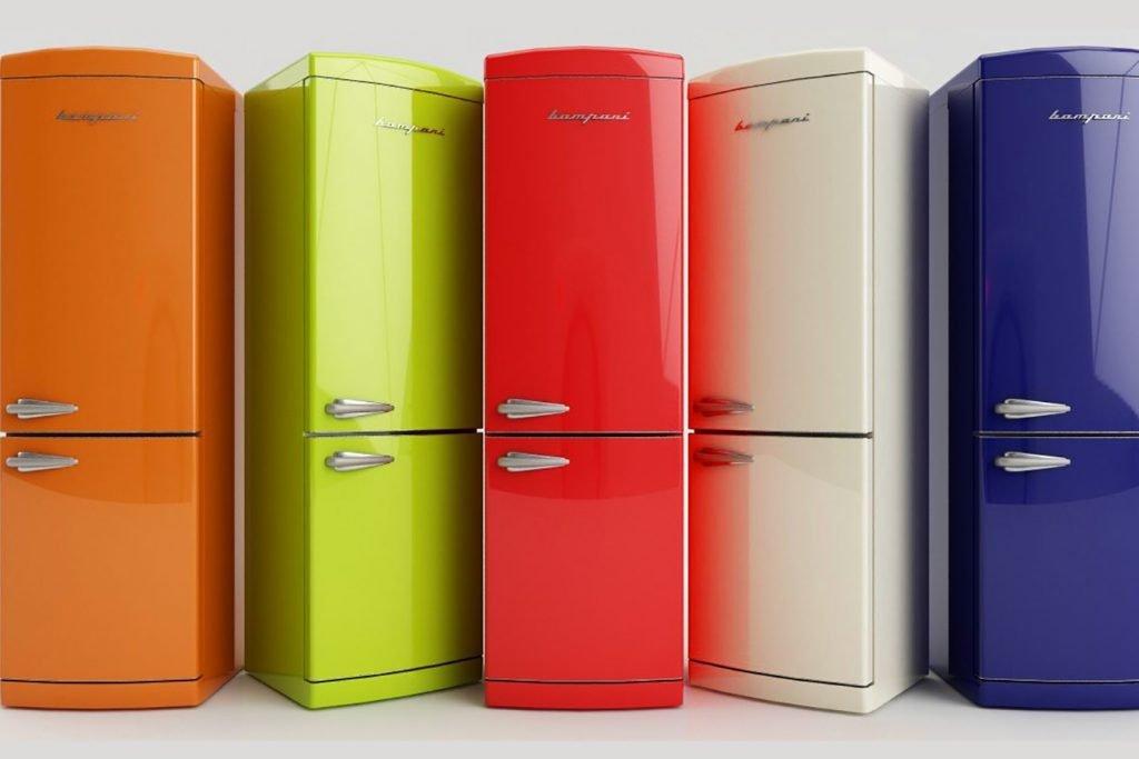 Разноцветные холодильники