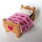 Вязанная кроватка
