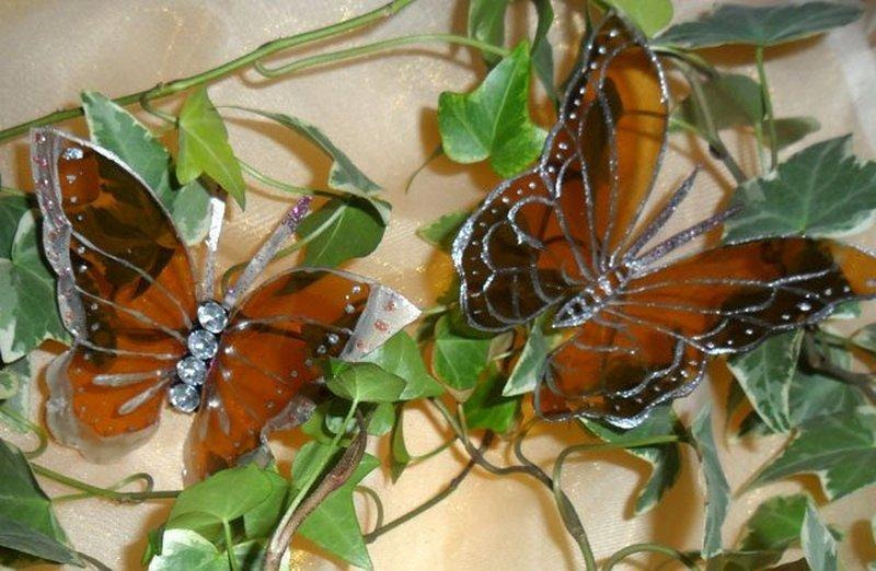 Бабочки из бутылок