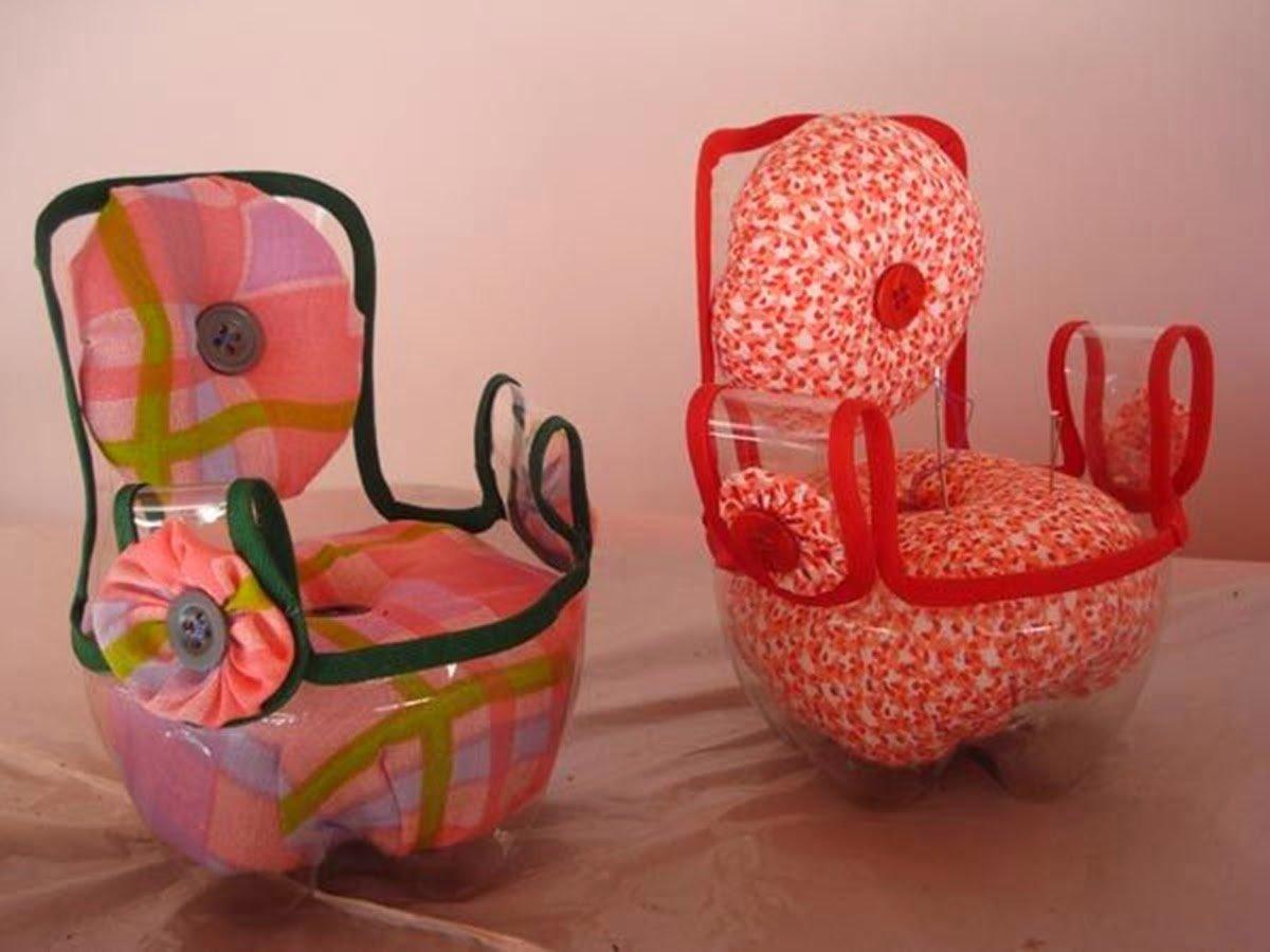 Мебель для кукольного домика из бутылок