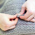 Сшиваем низ и горловину свитера