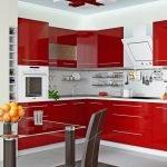 Интерьер с красной мебелью
