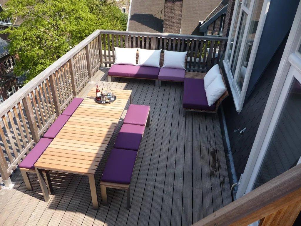 Дом с террасой-балконом