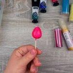 Красим заготовку розовой краской