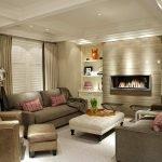 Бежевая гостиная с коричневой мебелью