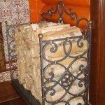 Плитка пэчворк на камине