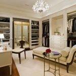 Обустройство гардеробной мебелью