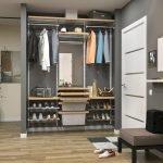 Мини-гардеробная в коридоре