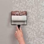 Применение трафаретов при окрашивании ванной комнаты