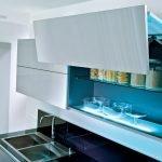 Кухонный гарнитур с подъемными полками