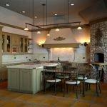 Совмещенная кухня-столовая