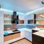 Подсветка для полок на маленькой кухне
