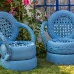 Кресла в цветнике