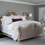 Кровать с высоким матрасом