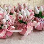 Тюльпаны в корзинках
