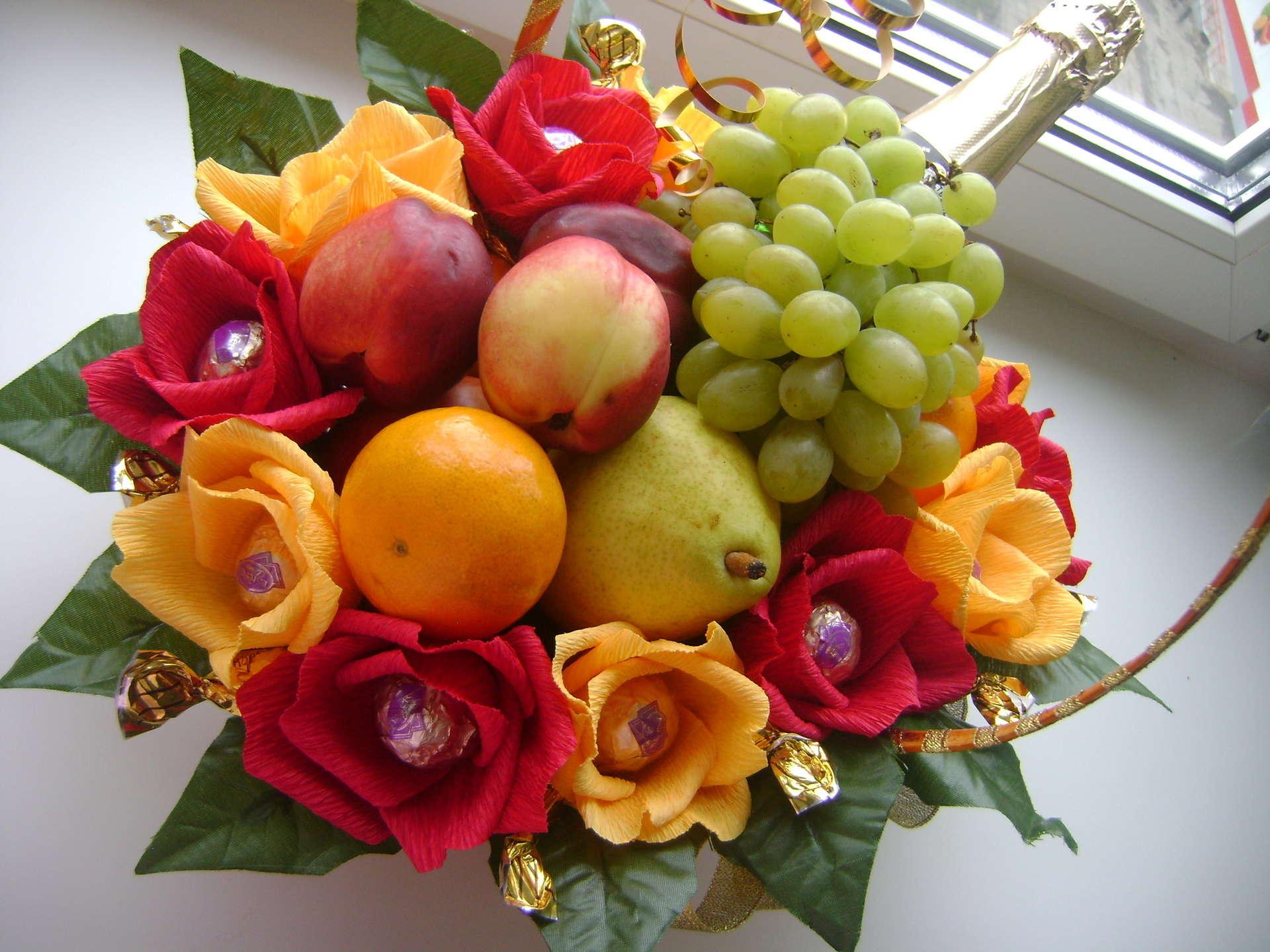 Дизайн букет из цветов и фруктов как сделать
