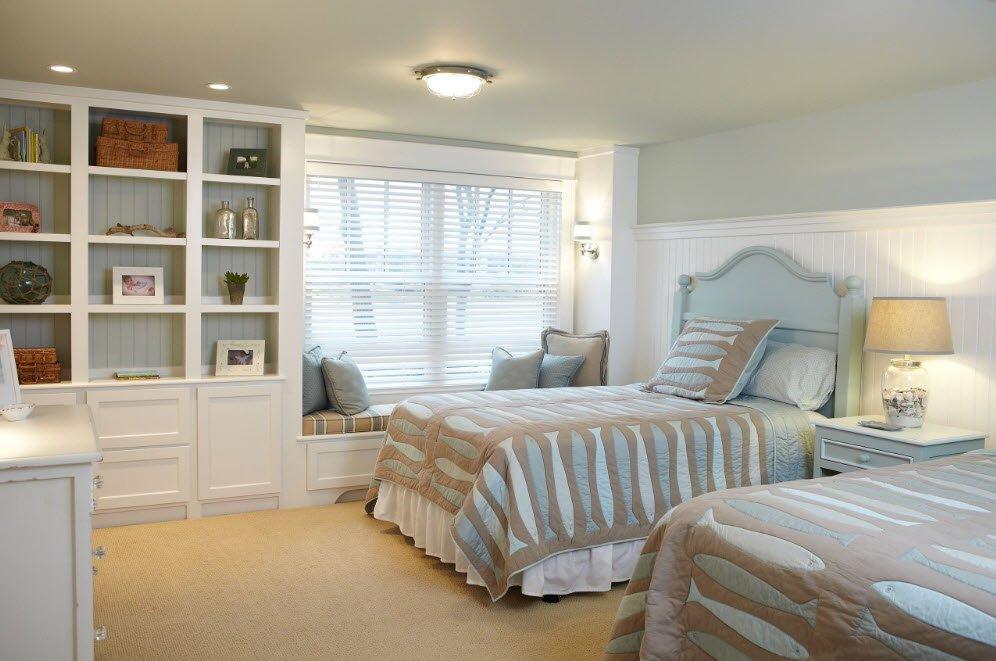 Две кровати в спальне