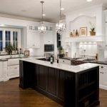 Островок среди кухни в американском стиле