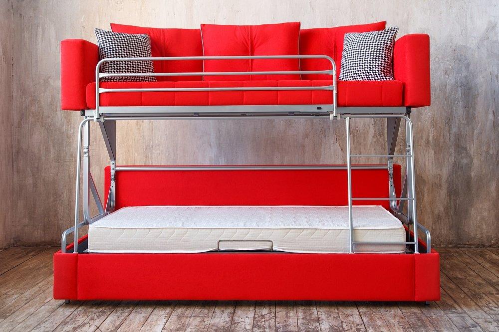 Яркий двухъярусный диван-кровать