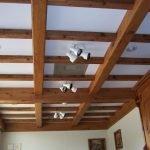 Потолок с фальш балками