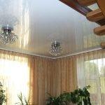 Белоснежный потолок