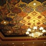 Шикарный декор потолка