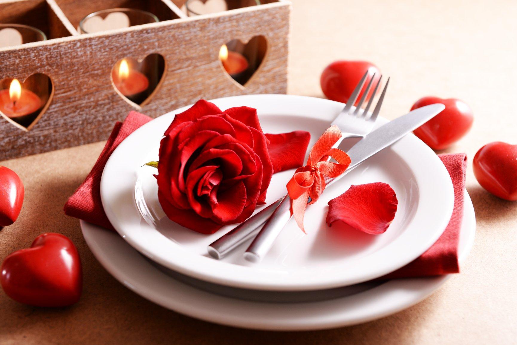 Романтическая сервировка стола