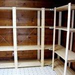 Угловой деревянный стеллаж