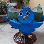 Веселенькая птичка