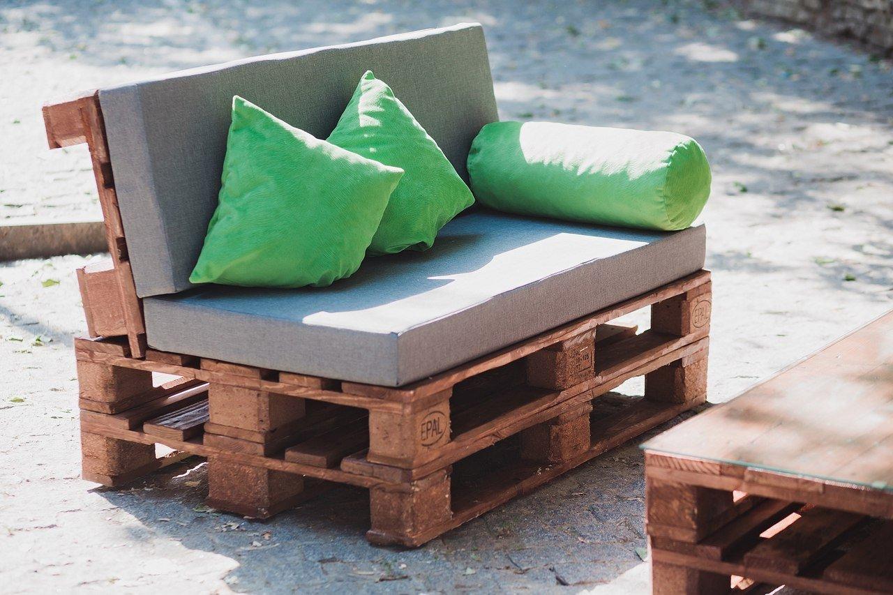 Мини-диван для дачи своими руками
