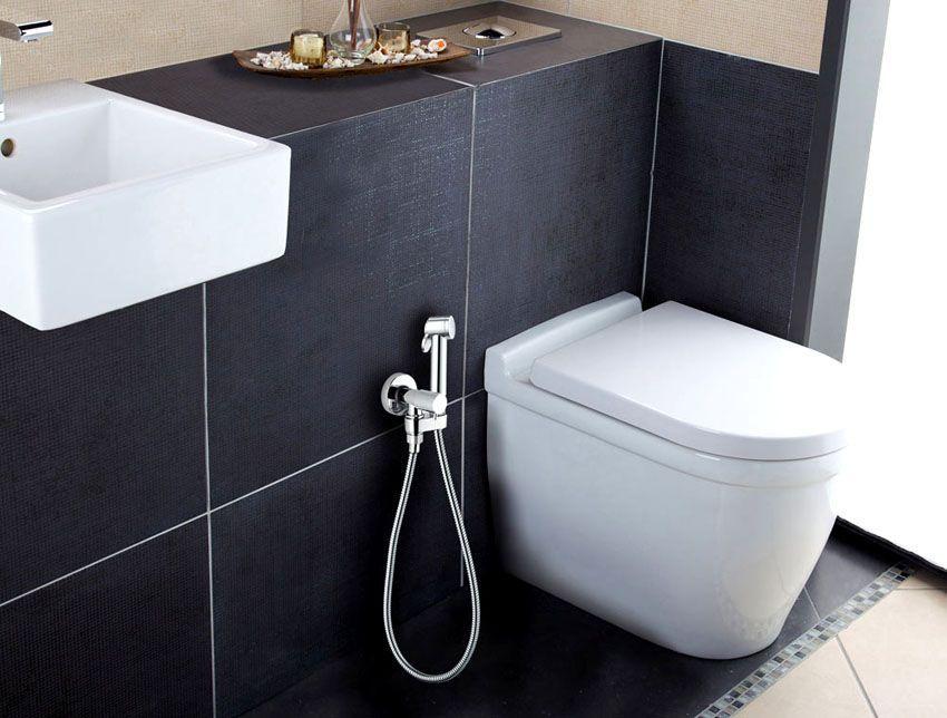 Гигиенический душ на стене