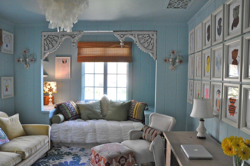Оттенки синего в интерьере гостиной в стиле прованс