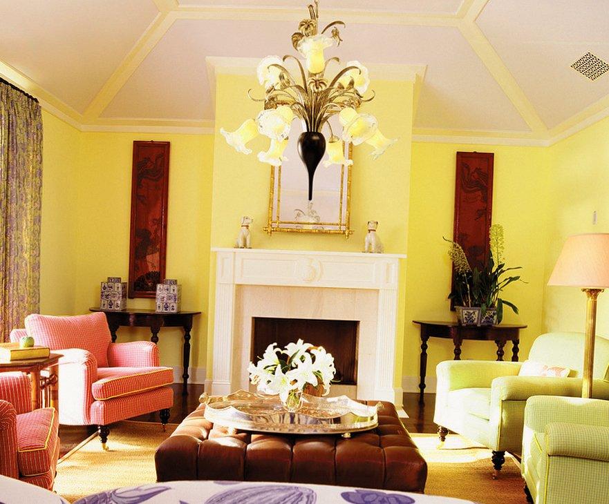 Яркие цвета в интерьере гостиной в стиле прованс