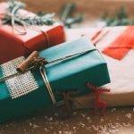 Упаковка подарков еловыми веточками