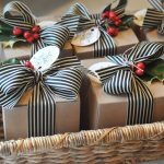 Упаковка подарка ягодами