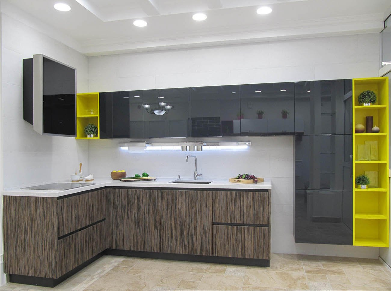 Угловая кухня с фасадом из ЛДСП