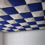 Потолок сине-белый