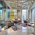 Потолок из стеклянных панелей