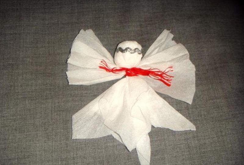 Рождественский ангелок из салфеток