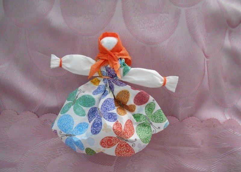 Кукла из салфеток к Масленице