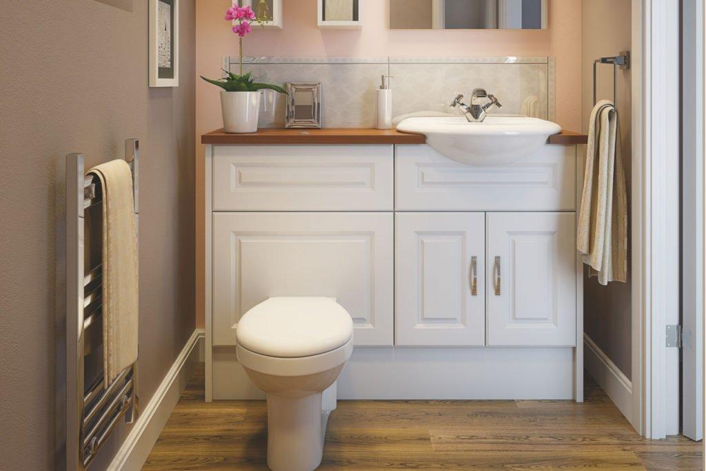 Белый шкаф в туалете
