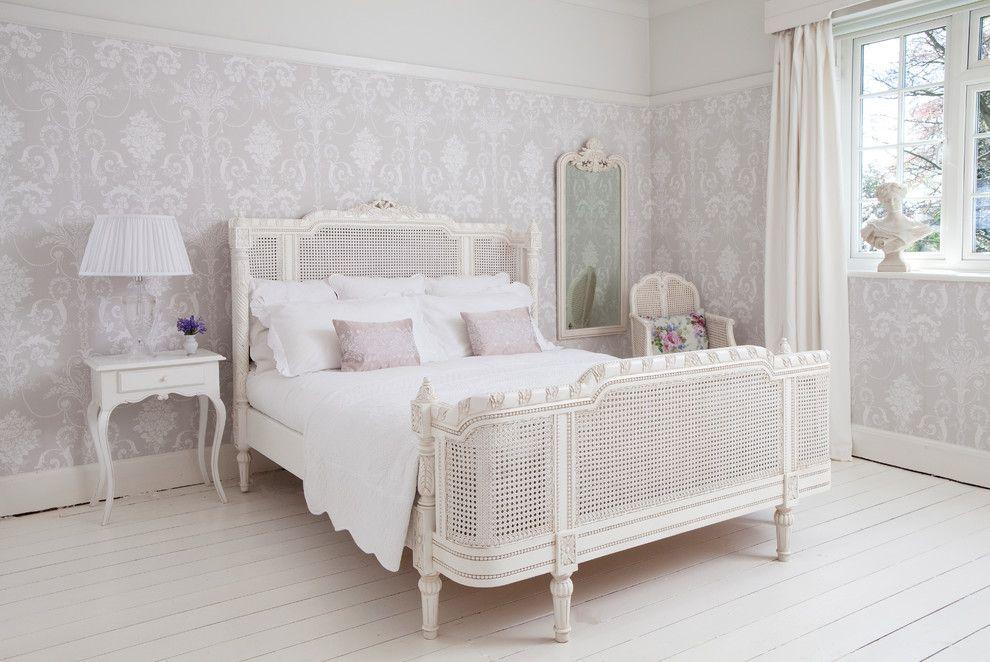 Пол из досок в спальне в стиле прованс