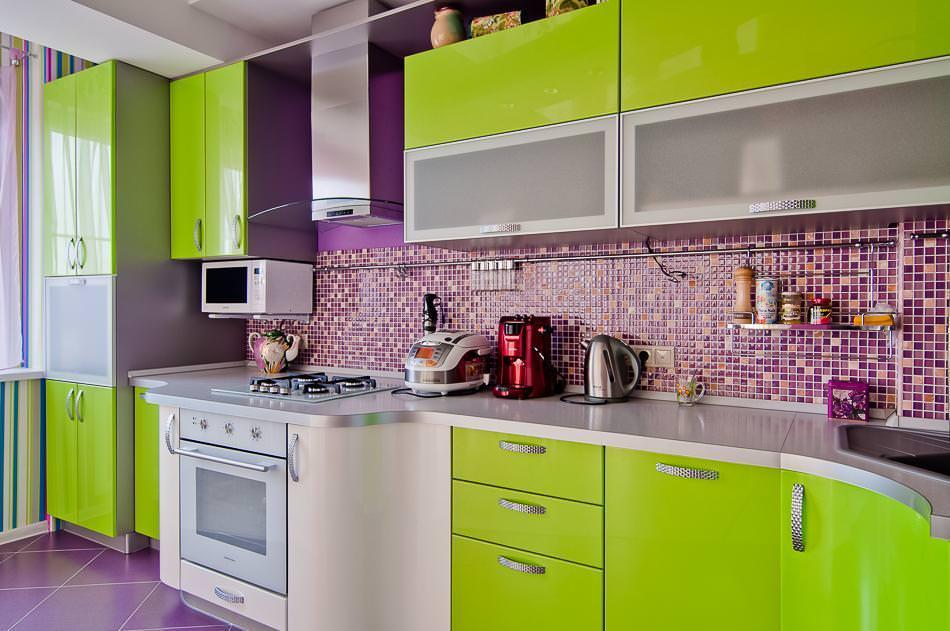 Зелено-фиолетовая кухня