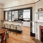 Современные кухни с барными стойками