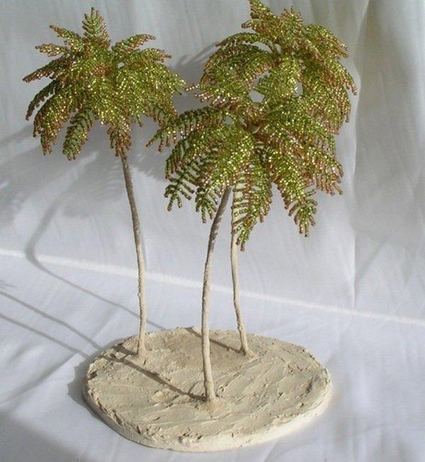 Пальмы из бисера