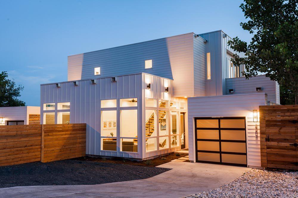Дизайнерский дом из контейнера