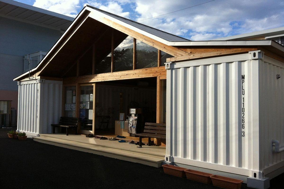 Дом с мастерской из морских контейнеров
